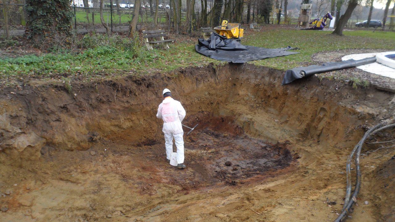 Inspectie grond na chloorlekkage